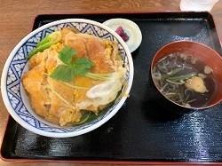 「信濃路」さんでカツ丼_d0140668_19152040.jpg