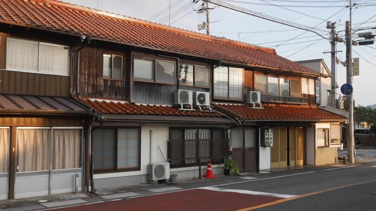 大正2年創業 地区では唯一の貴重な宿―下関市豊田町・開月旅館_a0385880_13380995.jpg