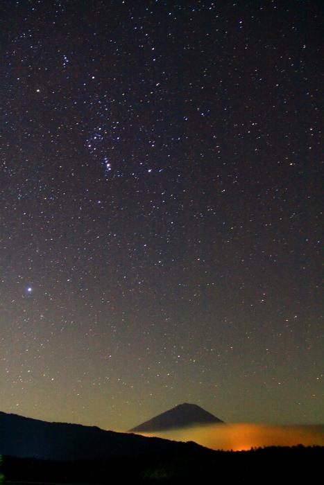 令和2年9月の富士(6) 西湖の夜の富士_e0344396_18043202.jpg
