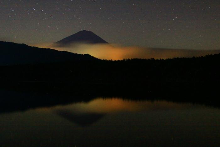 令和2年9月の富士(6) 西湖の夜の富士_e0344396_18043297.jpg