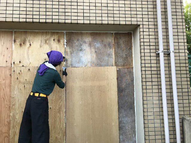 連休明けの塗装工事_f0031037_17151494.jpg