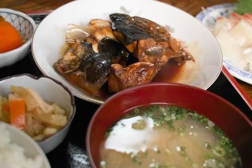 長崎市青山町・・・茂木通い、アラ煮定食と茂木ネコ_d0005250_19434672.jpg