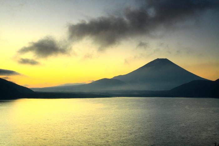 令和2年9月の富士(7) 本栖湖日の出の富士_e0344396_12435336.jpg