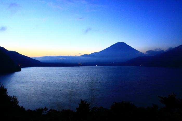 令和2年9月の富士(7) 本栖湖日の出の富士_e0344396_12435340.jpg