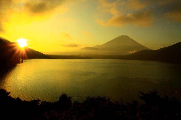 令和2年9月の富士(7) 本栖湖日の出の富士_e0344396_12435408.jpg