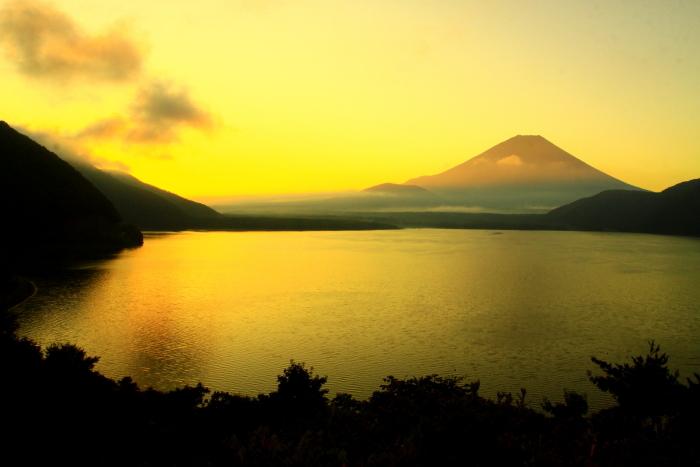 令和2年9月の富士(7) 本栖湖日の出の富士_e0344396_12435429.jpg