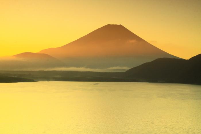 令和2年9月の富士(7) 本栖湖日の出の富士_e0344396_12435438.jpg