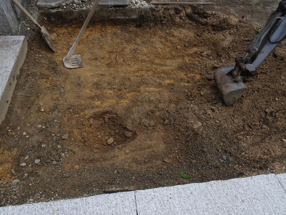 石畳敷き工事再開_c0111229_18461674.jpg