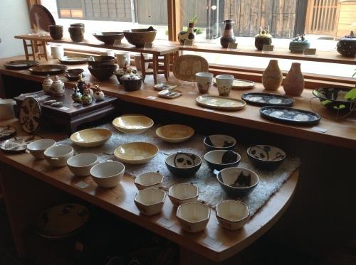 あまたの展示会『近藤佳寿子 陶展』始まりましたー_b0153663_00133877.jpeg