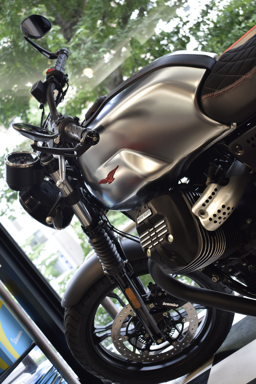 MOTO GUZZI V7Ⅲ STONE S 世界750台限定モデル入荷!_d0099181_19031478.jpg