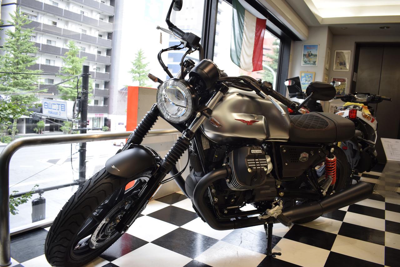 MOTO GUZZI V7Ⅲ STONE S 世界750台限定モデル入荷!_d0099181_19063934.jpg