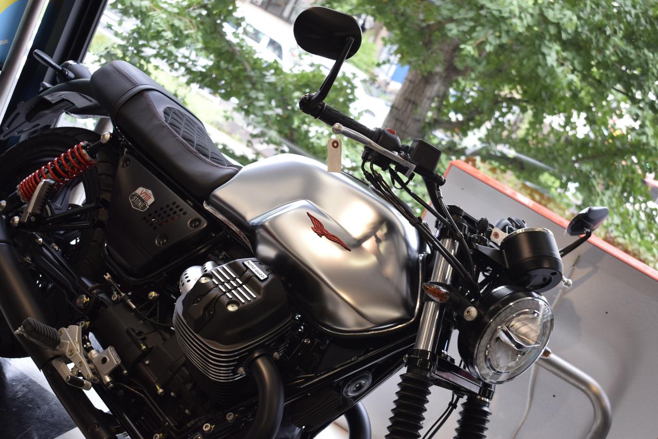 MOTO GUZZI V7Ⅲ STONE S 世界750台限定モデル入荷!_d0099181_19130975.jpg