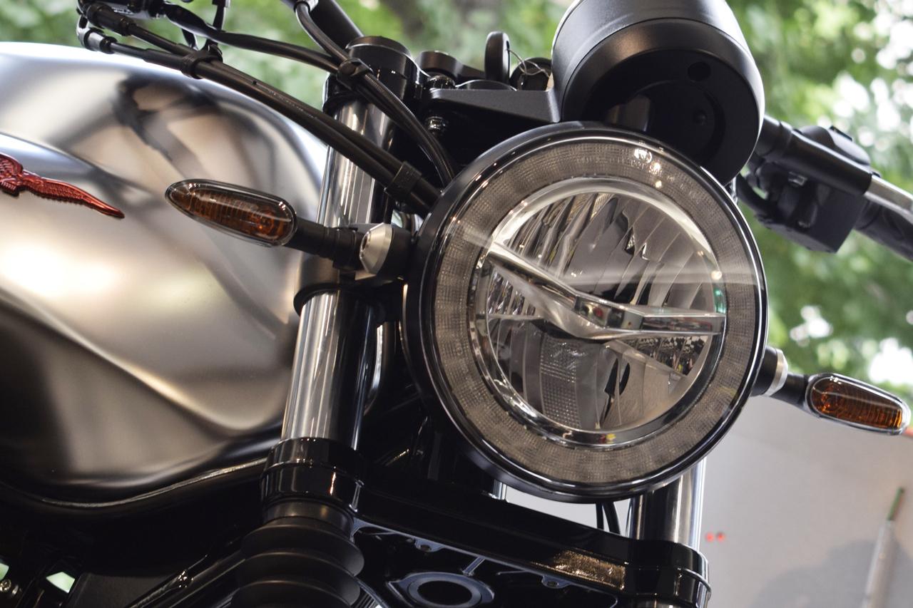 MOTO GUZZI V7Ⅲ STONE S 世界750台限定モデル入荷!_d0099181_19154417.jpg