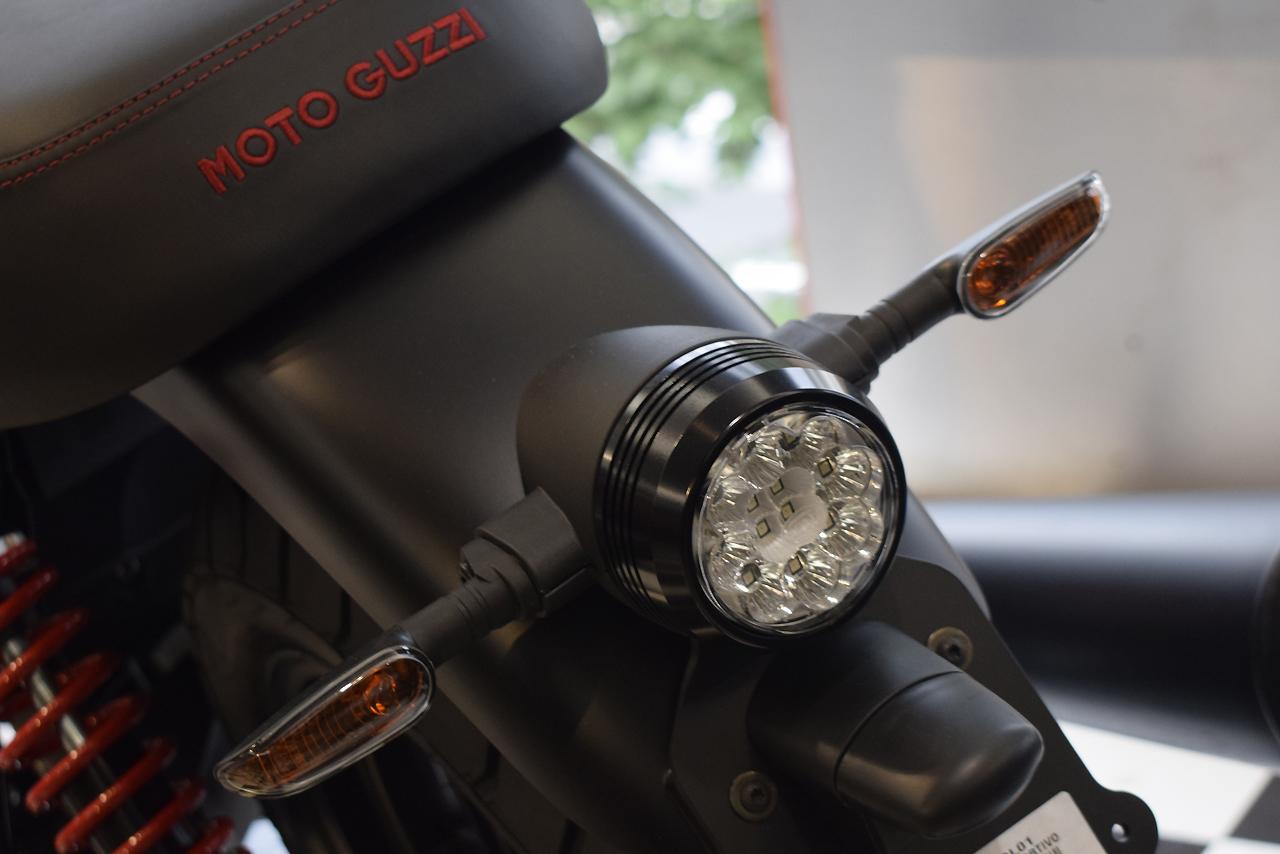 MOTO GUZZI V7Ⅲ STONE S 世界750台限定モデル入荷!_d0099181_19163016.jpg