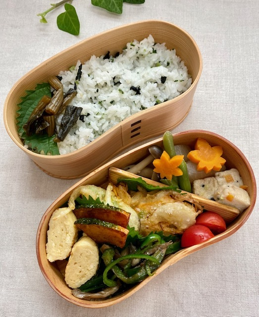 lunch box ×4 曜日の感覚_a0165160_16355076.jpg