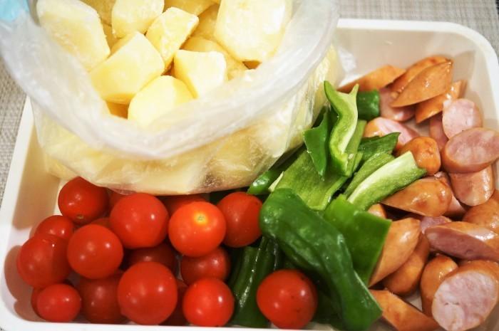 ■副菜【野菜とウインナーのオーブン焼き】マヨ・ケチャ・チーズでジューシー!!_b0033423_22364857.jpg