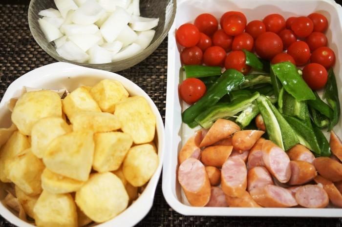■副菜【野菜とウインナーのオーブン焼き】マヨ・ケチャ・チーズでジューシー!!_b0033423_22455833.jpg