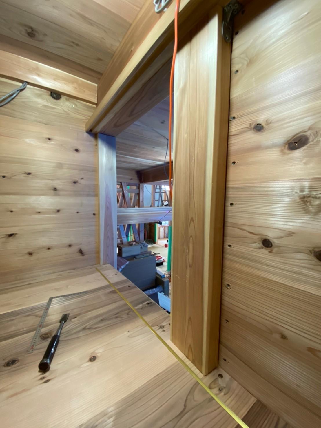 板倉造りの家 床貼り_e0330135_13010893.jpg