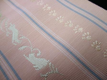 新作博多織八寸帯に猫柄の・・・_b0159571_11084936.jpg
