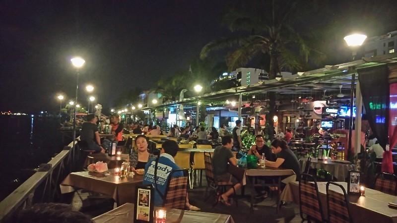 コタキナバルの夜_a0132757_17461993.jpg