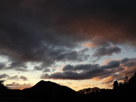 それはともかく、素晴らしい夜明け_d0045159_06095803.jpg