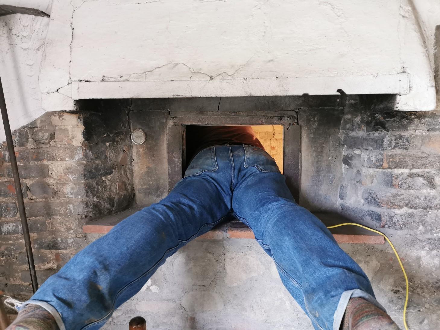 パン窯の修理_f0106597_03360440.jpg