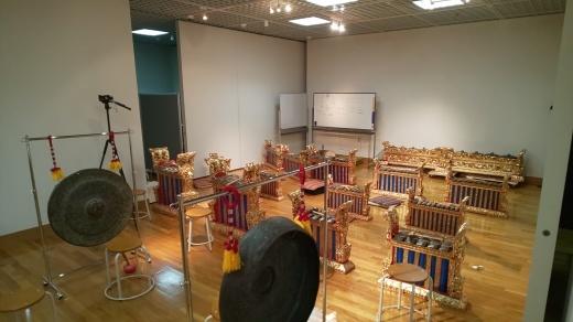 浜松市楽器博物館でのガムランワークショップ_e0017689_13074542.jpg