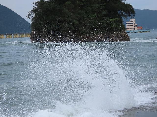 荒波の弁財海岸(撮影:9月23日)_e0321325_18223797.jpg