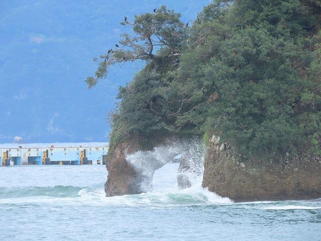 荒波の弁財海岸(撮影:9月23日)_e0321325_18231053.jpg