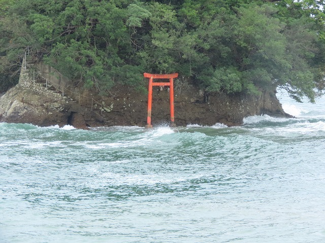 荒波の弁財海岸(撮影:9月23日)_e0321325_18234360.jpg