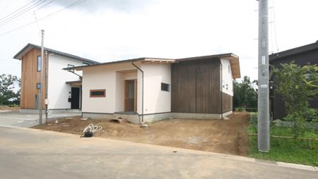 緑と景色を楽しむ自然素材の平屋の家 完成見学会_e0134452_12343042.jpg