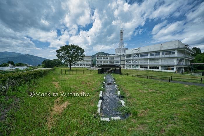 旧東海大学阿蘇校舎の地震断層_e0135098_21375785.jpg