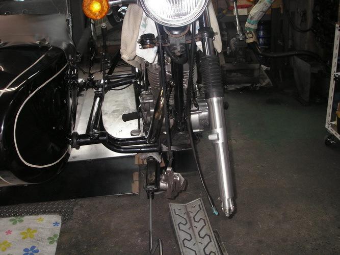 YAMAHA  SR400+ウラルサイドカー_e0218639_10063205.jpg