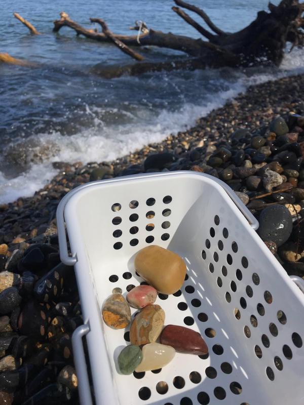 【海で拾った石】 9月最後の石拾い_f0169147_21301314.jpg