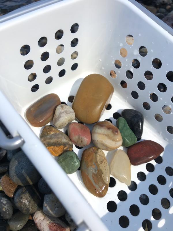 【海で拾った石】 9月最後の石拾い_f0169147_21302203.jpg