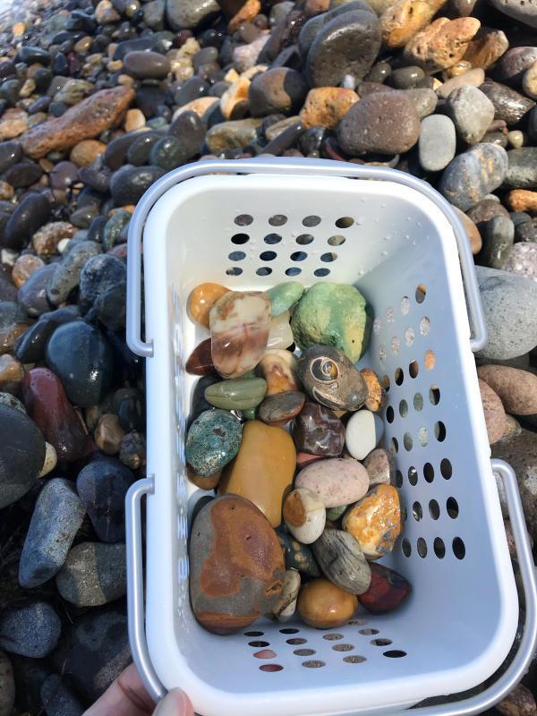 【海で拾った石】 9月最後の石拾い_f0169147_21303252.jpg