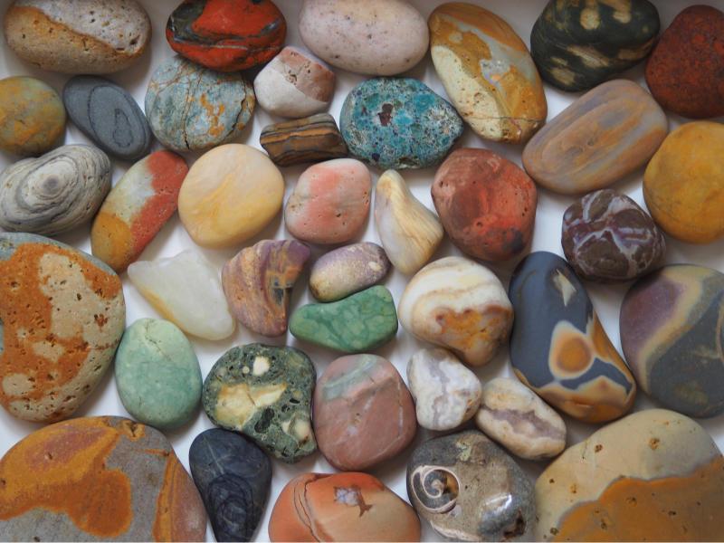 【海で拾った石】 9月最後の石拾い_f0169147_21315895.jpg