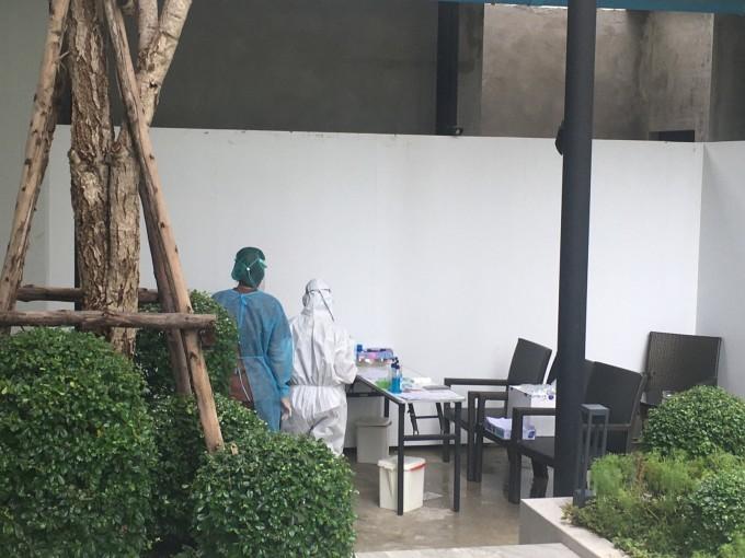 中秋の名月(タイのホテルの窓から)_b0100062_12330260.jpeg