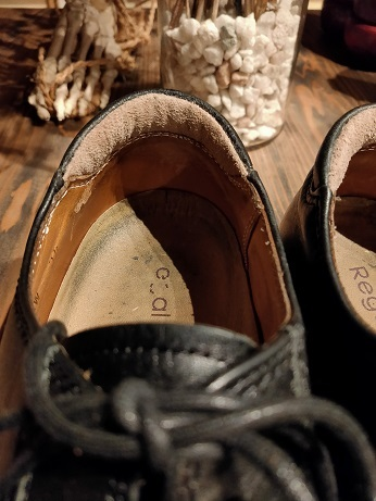 靴のカカトは大切にしたいですよね。_f0283816_17271858.jpg