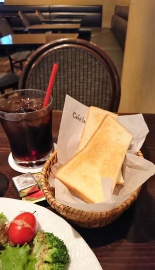 正統派モーニング・Cafe la Voie(カフェラヴォワ)@新宿西口_f0337357_18140313.jpg