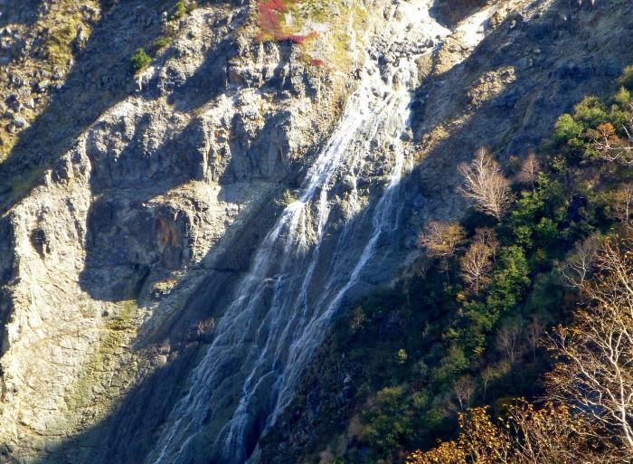 立山徘徊 紅葉を見る2・ソーメン滝~鏡石_f0374895_22420382.jpg