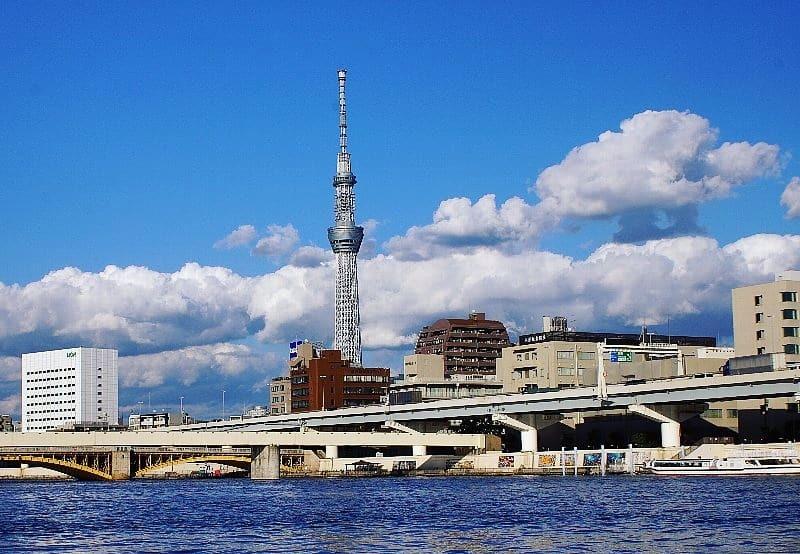 青空と雲と隅田川とスカイツリー_a0355365_18193238.jpg