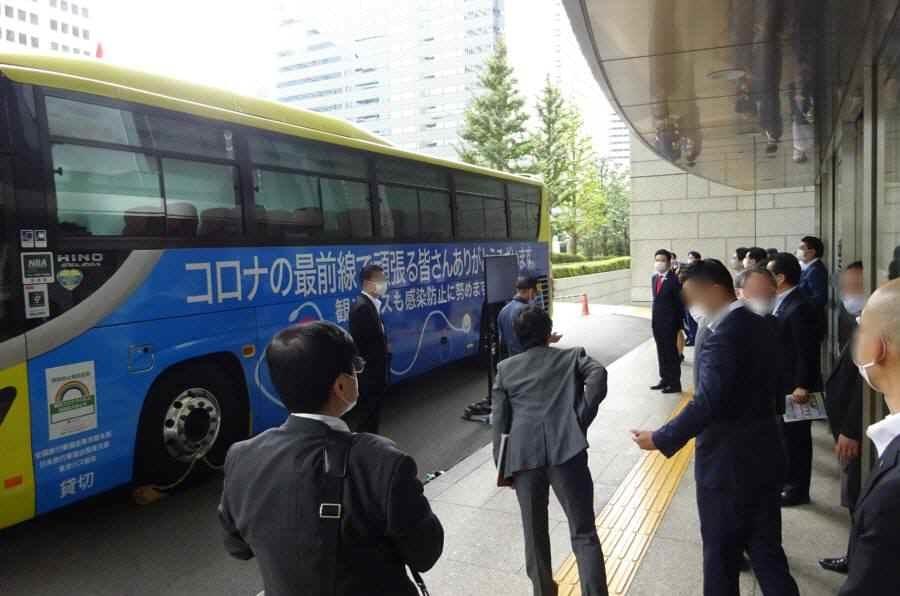 バスの換気の良さデモンストレーション_f0059673_21251540.jpg