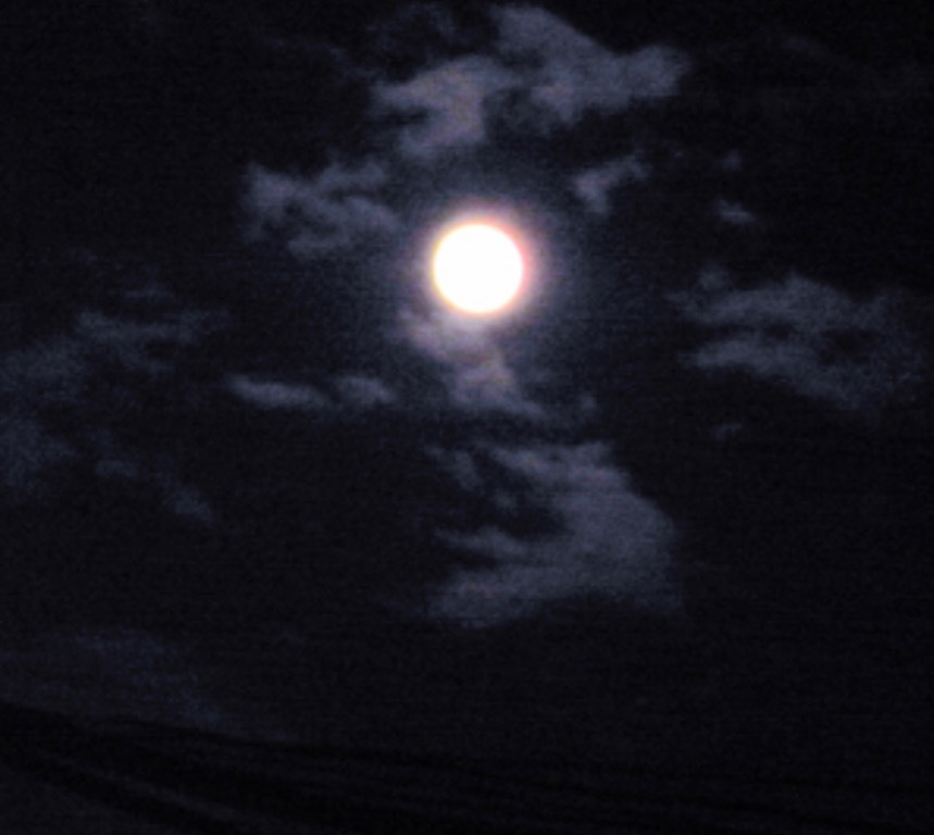 日々ヘベレケ日記/中秋の名月と秋霖の時季が来た。_b0019140_16161936.jpg