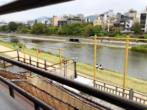 眺河(ながめがわ)先斗町〜華〜_e0292546_05104342.jpg