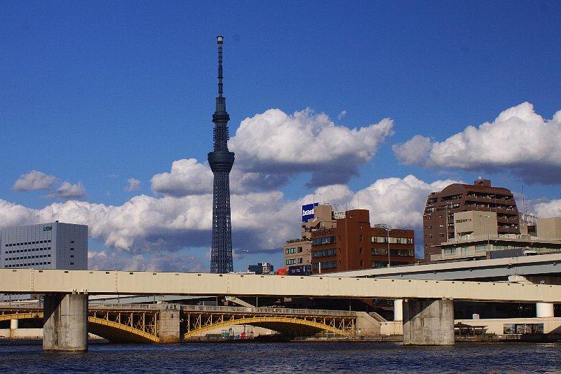隅田川と橋とスカイツリーと青空と_a0355365_18581315.jpg