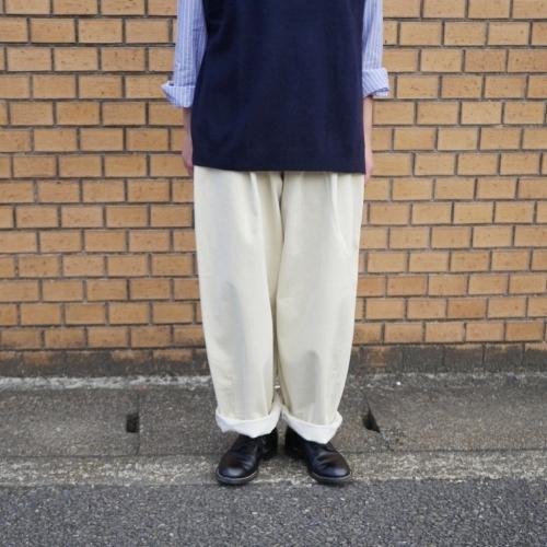 raccoon knit vest & corduroy pants_e0247148_13301102.jpg