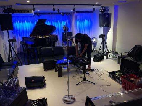 広島でジャズ Jazzlive Cominジャズライブカミン 本日土曜日は貸し切り営業です_b0115606_12192511.jpeg