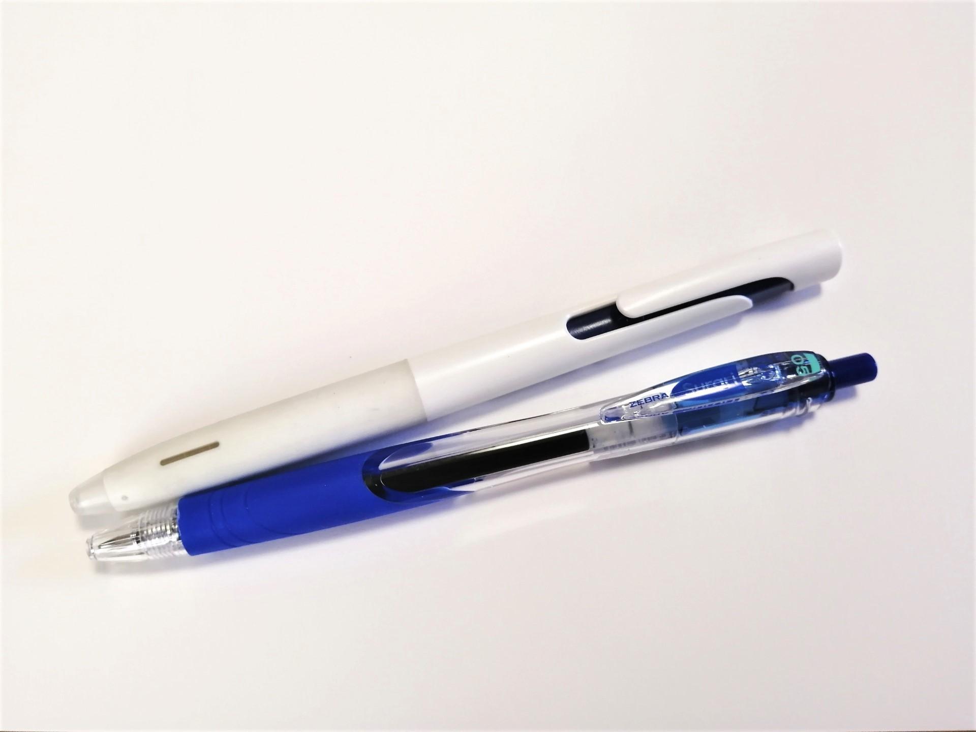 油性の青ボールペンの魅力を考える会・その2(調査対象1)。_f0220714_11433940.jpg