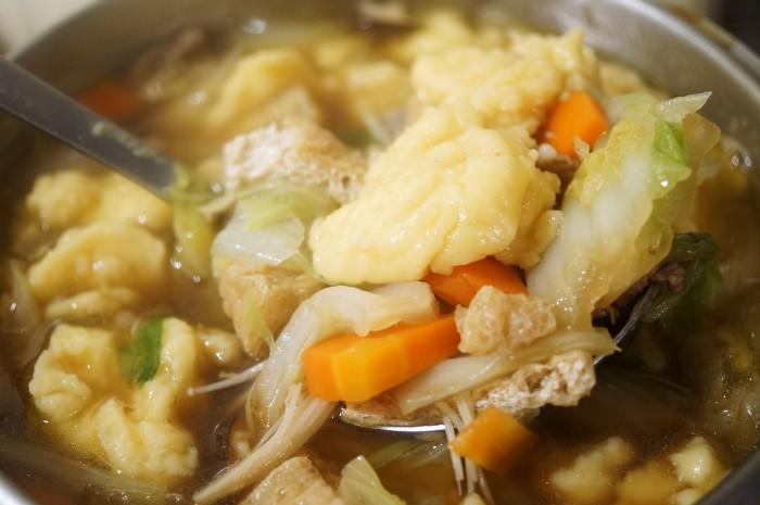 ■晩ご飯【具沢山すいとん】肌寒くなったので身体を温めるに最適です♪_b0033423_17494890.jpg